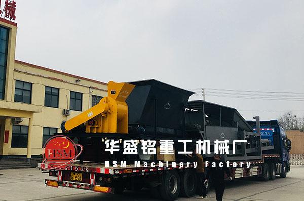 2019年4月28日黄金城平台app重工煤块筛分jichenggong发往新疆克la玛yi